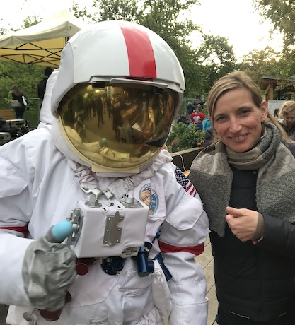 Michela Bertero CRG meeting astronaut at the Science Party Brno